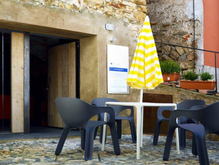 Il dehors esterno dell'appartamento L'Angolo di Papà Gigi