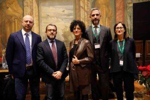 AgroNetwork News - I parlamentari Francesco Mollame e Gianpaolo Cassese con Federica Argentati e i rappresentanti di Coca-Cola Giangiacomo Pierini e Cristina Broch.