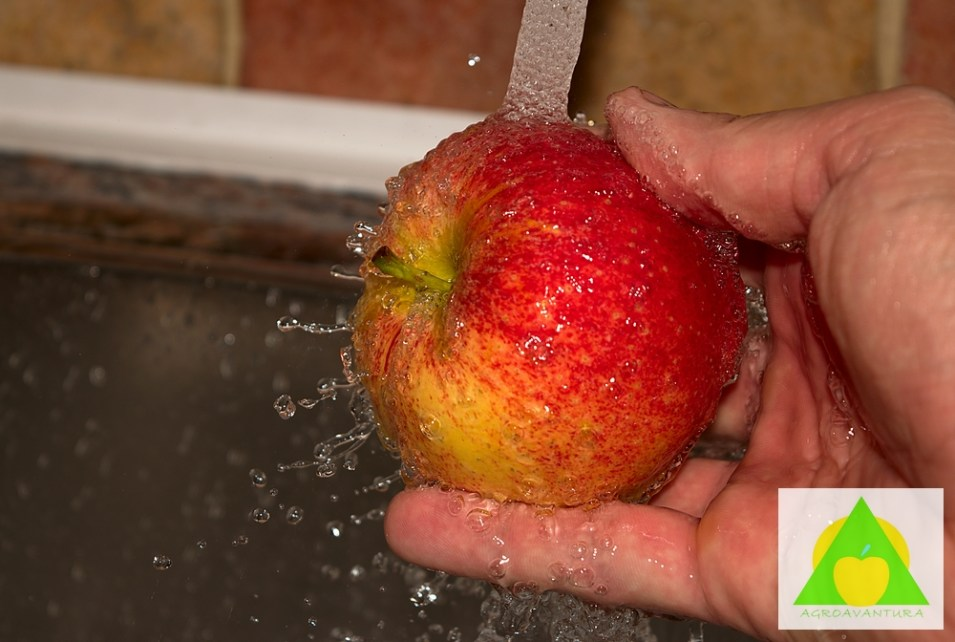 Pranje obicnom vodom ne uklanja pesticide