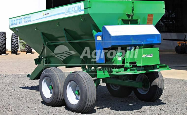 Distribuidor de Calcário 7500 Kg Master 7500/ Piccin – Usado - Distribuidor de Calcário - Piccin - Agrobill - Tratores, Implementos Agrícolas, Pneus