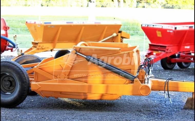 Scraper / Madal – 3.7 M³ – Com Rodas Traseiras - Scraper Raspadeira Agrícola controle remoto. - Madal - Agrobill - Tratores, Implementos Agrícolas, Pneus