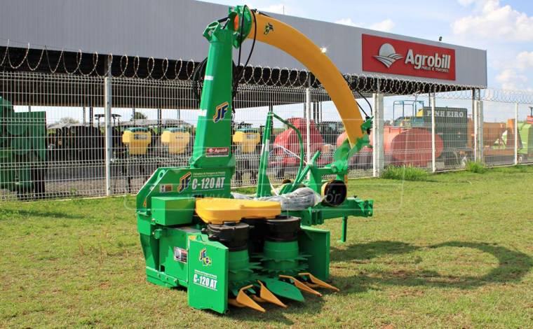 Colhedora de forragens JF C120 AT S3 com Plataforma / Cardan / Bica Hidráulica > Nova - Forrageira - JF - Agrobill - Tratores, Implementos Agrícolas, Pneus