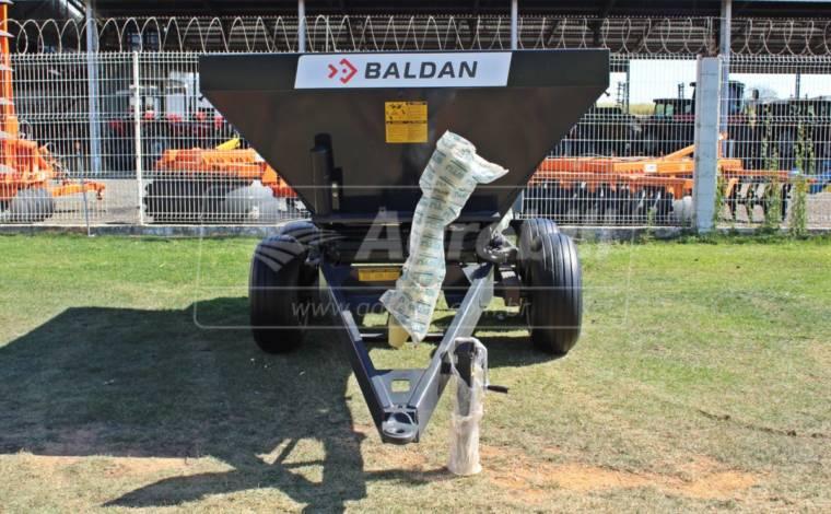 Distribuidor de Calcário, Fertilizantes e Compostos Orgânicos DCF-CO 8000 – Baldan > Novo - Distribuidor de Calcário - Baldan - Agrobill - Tratores, Implementos Agrícolas, Pneus