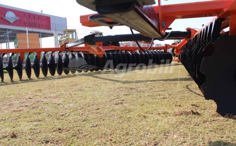 Grade Destorroadora Flutuante Mecânica GDFM 72 x 22″ x 195 mm – Civemasa > Nova - Grades Niveladoras - Civemasa - Agrobill - Tratores, Implementos Agrícolas, Pneus
