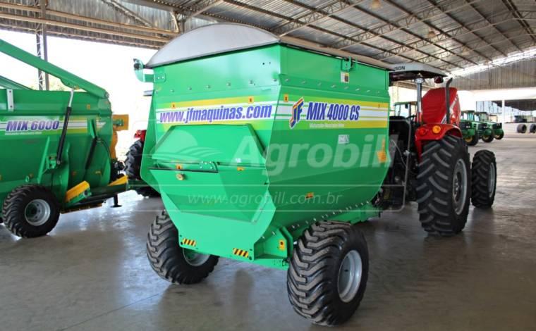 Vagão Misturador JF Mix 4000 CS  com Balança > Novo - Vagão Misturador - JF - Agrobill - Tratores, Implementos Agrícolas, Pneus