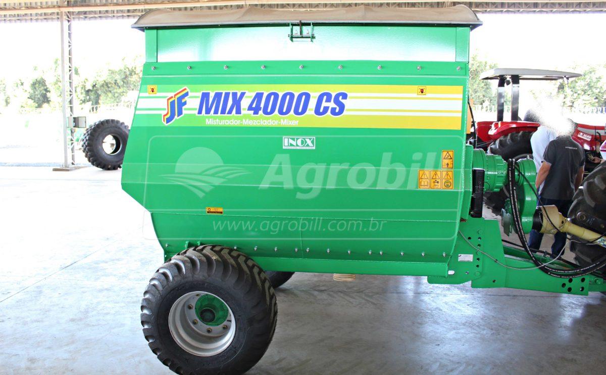Vagão Misturador de Sal e Concentrado JF Mix 4000 CS INOX com Balança > Novo - Vagão Misturador - JF - Agrobill - Tratores, Implementos Agrícolas, Pneus