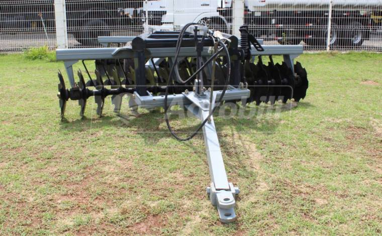 Grade Niveladora Controle Remoto NVCR 32 x 20″ x 175 mm – Baldan > Nova - Grades Niveladoras - Baldan - Agrobill - Tratores, Implementos Agrícolas, Pneus