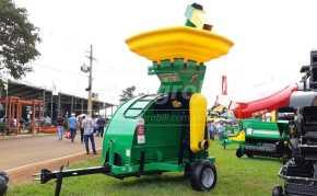 Embutidora de Grãos para Silo Bolsa JF Kanguru 270 > Nova - Embutidora de Grãos - JF - Agrobill - Tratores, Implementos Agrícolas, Pneus