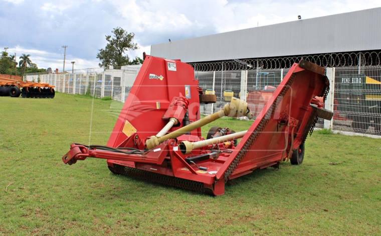 Roçadeira Articulada RC² 4500 – Tatu > Usada - Roçadeira - Tatu Marchesan - Agrobill - Tratores, Implementos Agrícolas, Pneus