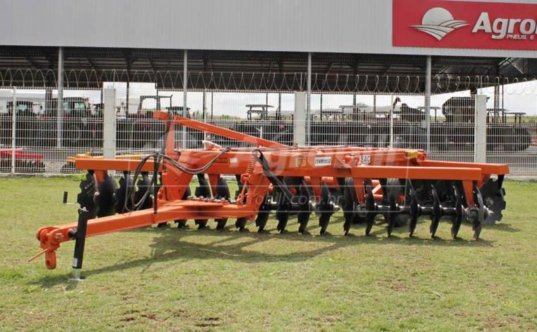 Grade Super Aradora Intermediária SAC 44 x 28″ x 7,5mm / com Pneus – Civemasa > Nova - Grades Aradoras - Civemasa - Agrobill - Tratores, Implementos Agrícolas, Pneus