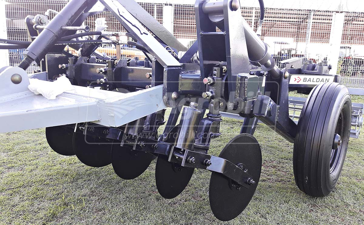 Subsolador ASDA DR 05 Hastes / Desarme e Rearme Automático – Baldan > Novo - Subsolador - Baldan - Agrobill - Tratores, Implementos Agrícolas, Pneus