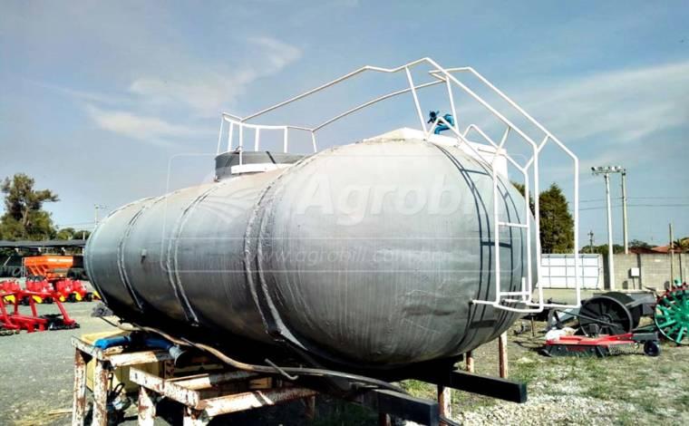 Tanque de Água 12.000 Litros / Retirado do Caminhão > Usado - Tanque de Água - Personalizado - Agrobill - Tratores, Implementos Agrícolas, Pneus