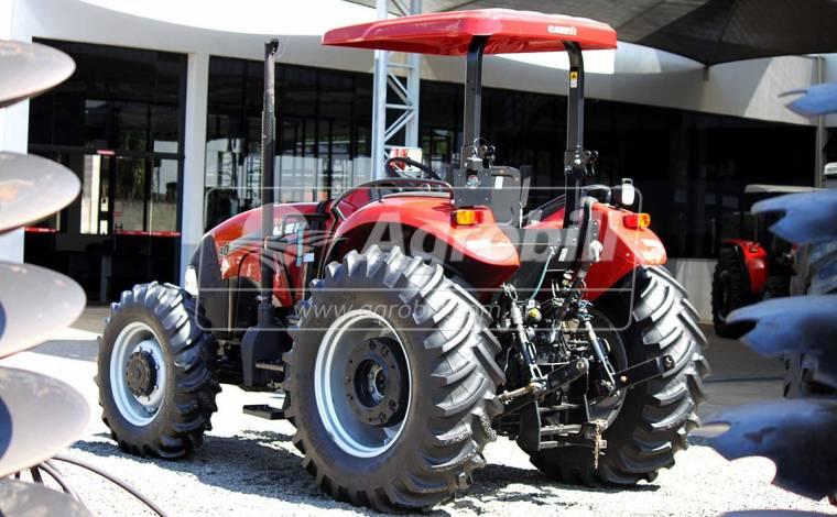 Trator CASE Farmal 80 4×4 ano 2015 com 548 horas semi novo - Tratores - Case - Agrobill - Tratores, Implementos Agrícolas, Pneus