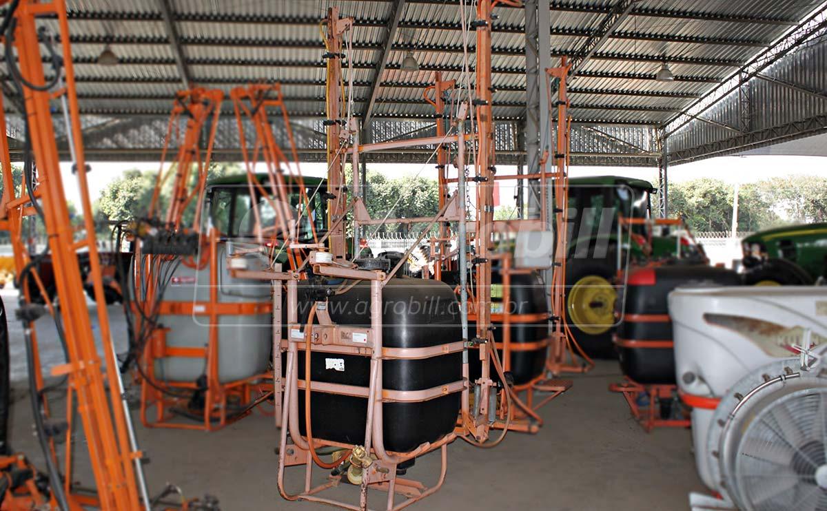 Pulverizador Águia 600 Litros M12 de Barras – Usado - Pulverizadores - Adventure - Agrobill - Tratores, Implementos Agrícolas, Pneus