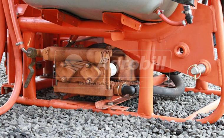 Pulverizador Condor Pec 800 Litros AM 14 de Barras / Jacto > Usado - Pulverizadores - Jacto - Agrobill - Tratores, Implementos Agrícolas, Pneus