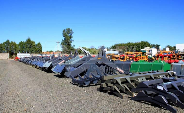 Conjunto de Lâmina PDM / BT para Tratores Massey Ferguson 4275 4X4 – Baldan > Novo - Conjunto para Massey Ferguson - Baldan - Agrobill - Tratores, Implementos Agrícolas, Pneus