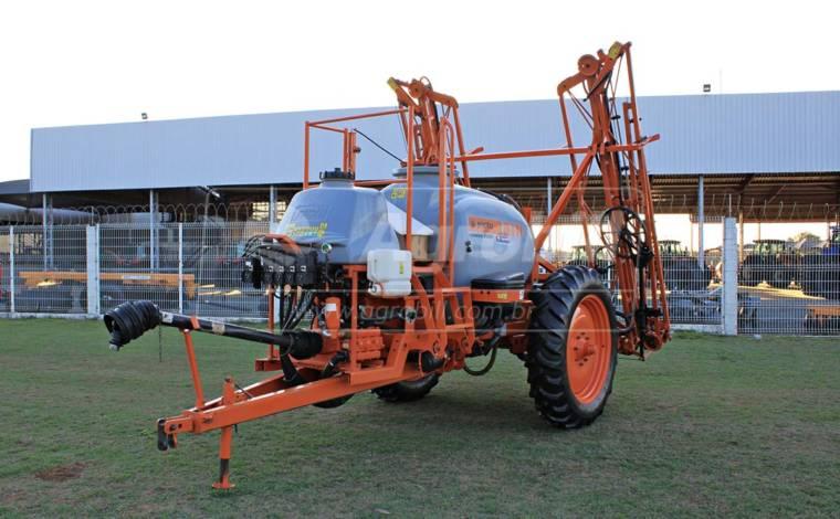 Pulverizador Jacto ADVANCE 2000 AM18 / ano 2015 > Semi Novo - Pulverizadores - Jacto - Agrobill - Tratores, Implementos Agrícolas, Pneus