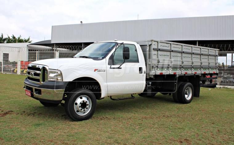 Caminhão Ford F-4000 4×2 / 2.8 Turbo intercooler / Diesel – Ano 2016 > Usada - Caminhões - Ford - Agrobill - Tratores, Implementos Agrícolas, Pneus