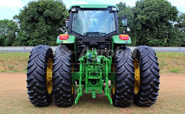 John Deere 6145 J ano 2016 com pneus Filipados. - Tratores - John Deere - Agrobill - Tratores, Implementos Agrícolas, Pneus