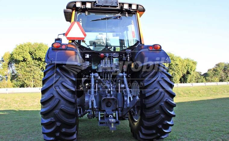 Trator Valtra BH 194 4×4 Geração 4 ano 2017 - Tratores - Valtra - Agrobill - Tratores, Implementos Agrícolas, Pneus