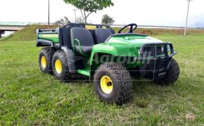 John Deere modelo Gator 6×4 ano 2012 – Diesel - Tratores - John Deere - Agrobill - Tratores, Implementos Agrícolas, Pneus