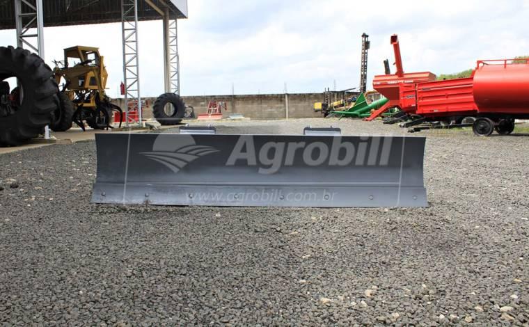 Lâmina Agrícola 2400 mm /2013 > Usada - Acessórios para Plainas Dianteiras - Personalizado - Agrobill - Tratores, Implementos Agrícolas, Pneus