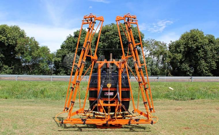 Pulverizador Condor 600 Litros AM 12 / de Barras – Usado - Pulverizadores - Jacto - Agrobill - Tratores, Implementos Agrícolas, Pneus