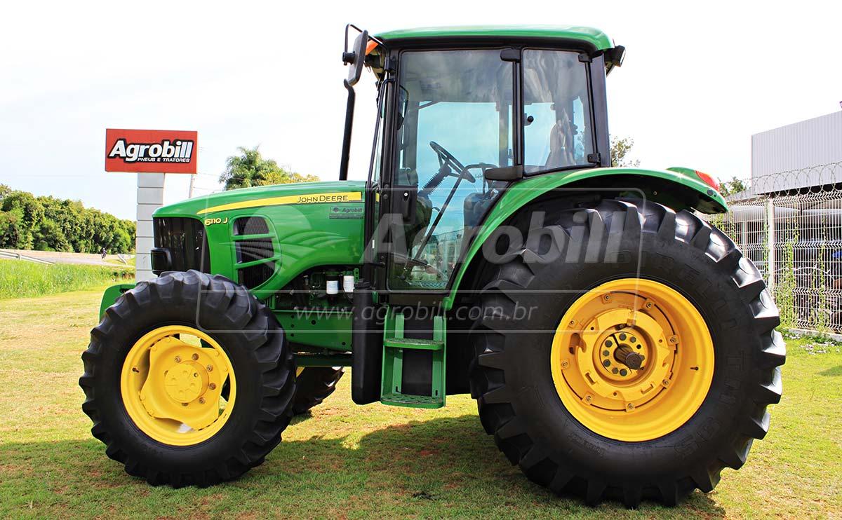 John Deere 6110 J ano 2015 cambio PowerQuad. - Tratores - John Deere - Agrobill - Tratores, Implementos Agrícolas, Pneus