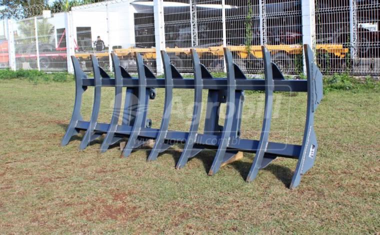 Escarificador Enleirador Agrícola ELG 09 Hastes / para PAM 600 / 800 – Baldan > Novo - Acessórios para Plainas Dianteiras - Baldan - Agrobill - Tratores, Implementos Agrícolas, Pneus