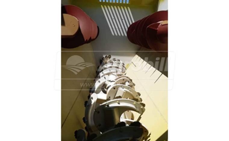 Vagão Misturador Storti Husky 12 m³ / com Balança / com Desensilador – JF > Novo - Vagão Misturador - JF - Agrobill - Tratores, Implementos Agrícolas, Pneus
