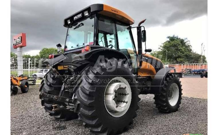 Trator Valtra BM 125 4×4 GIII ano 2016 com Redutor de Velocidade (creeper) - Tratores - Valtra - Agrobill - Tratores, Implementos Agrícolas, Pneus