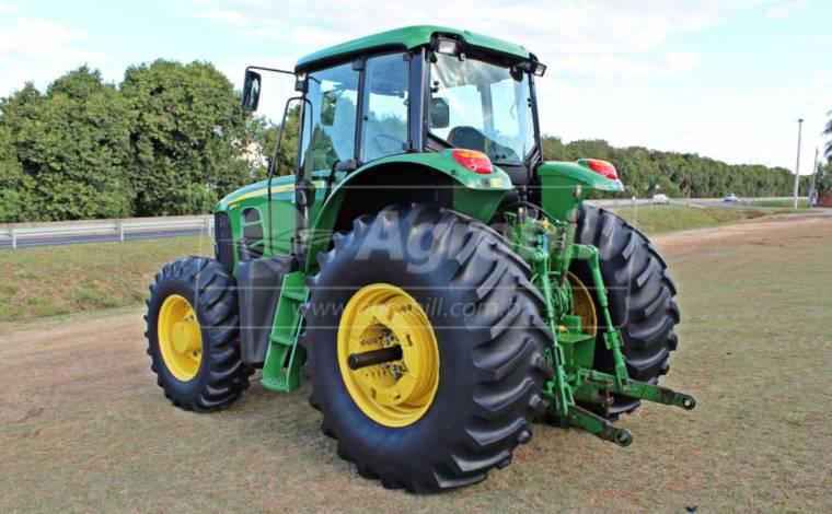John Deere 6180 J ano 2016 em ótimo estado - Tratores - John Deere - Agrobill - Tratores, Implementos Agrícolas, Pneus