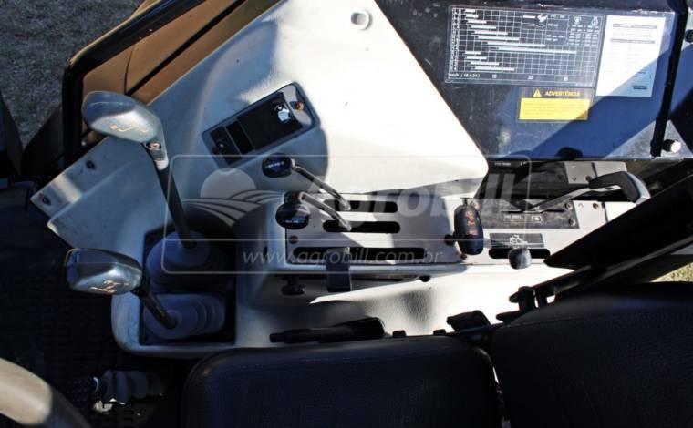Trator Valtra BM 125 ano 2014 com Conjunto de Plaina VALTRA modelo VL 1500 semi nova. - Tratores - Valtra - Agrobill - Tratores, Implementos Agrícolas, Pneus
