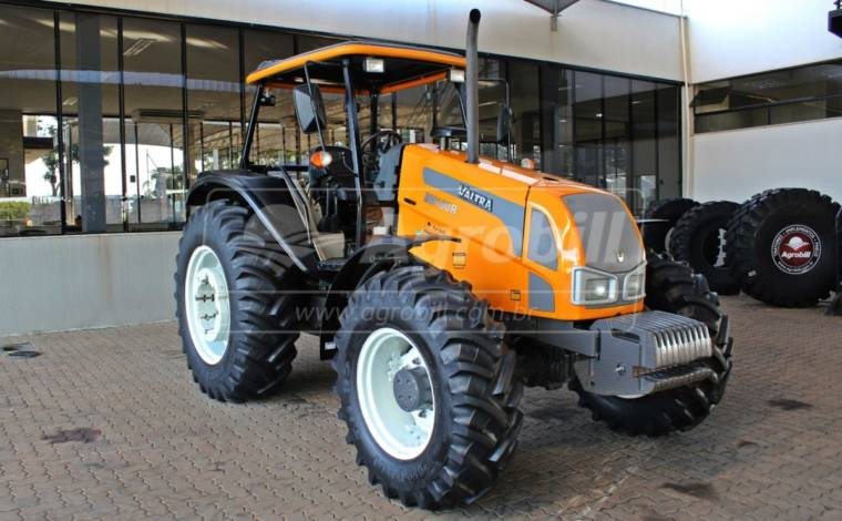 Trator Valtra BM 100 4×4 ano 2018 semi novo c/ 674 horas. - Tratores - Valtra - Agrobill - Tratores, Implementos Agrícolas, Pneus
