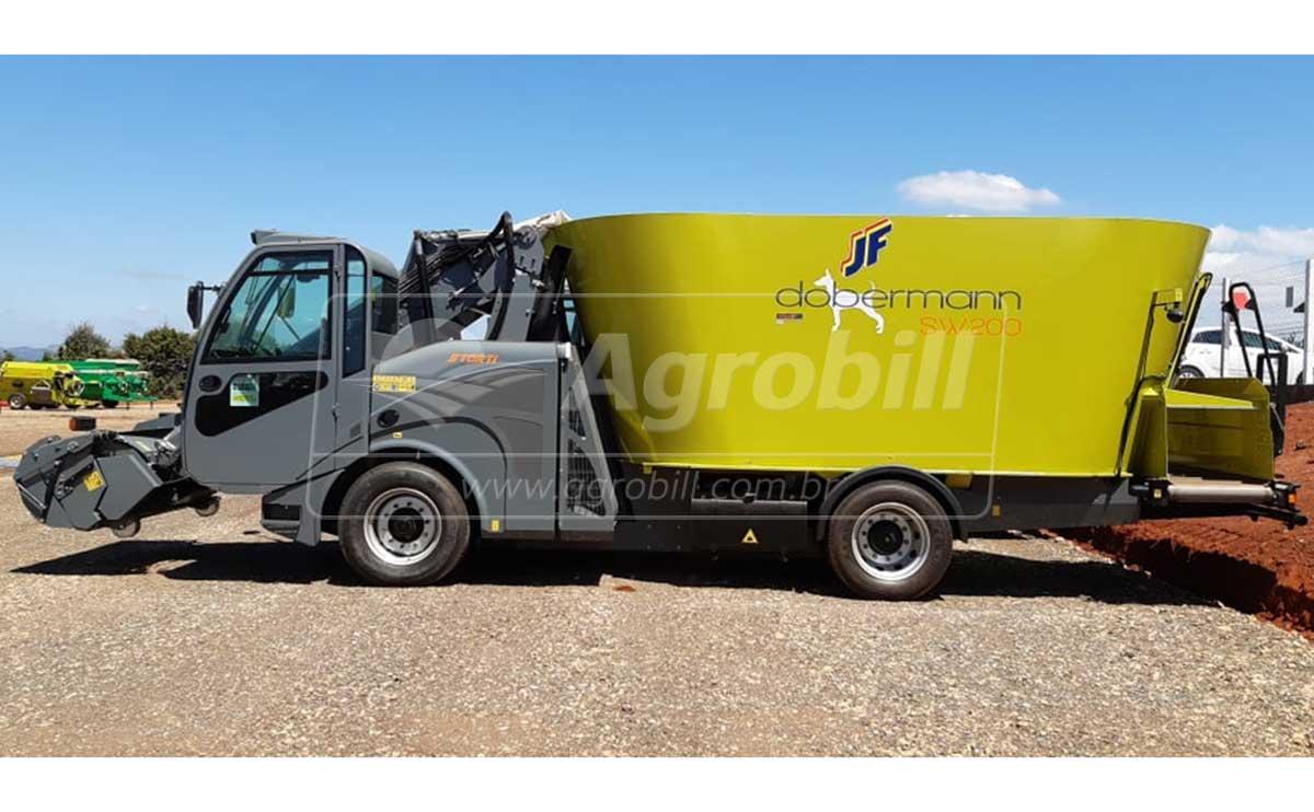 Vagão Misturador Vertical 20m³ Storti Dobermann SW 200 Autopropelido – JF > Novo - Vagão Misturador - JF - Agrobill - Tratores, Implementos Agrícolas, Pneus