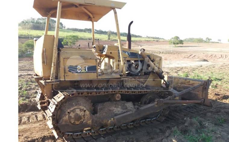 TRATOR DE ESTEIRA CATERPILLAR D4E CAT ANO 1982 Sem Revisão usado no estado. - Tratores - Caterpillar - Agrobill - Tratores, Implementos Agrícolas, Pneus
