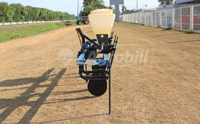 Plantadeira 2 Linhas – Tatu > Usada - Plantadeiras - Tatu Marchesan - Agrobill - Tratores, Implementos Agrícolas, Pneus