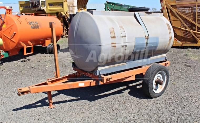 Tanque de Água 2000L > Usado - Tanque de Água - Personalizado - Agrobill - Tratores, Implementos Agrícolas, Pneus