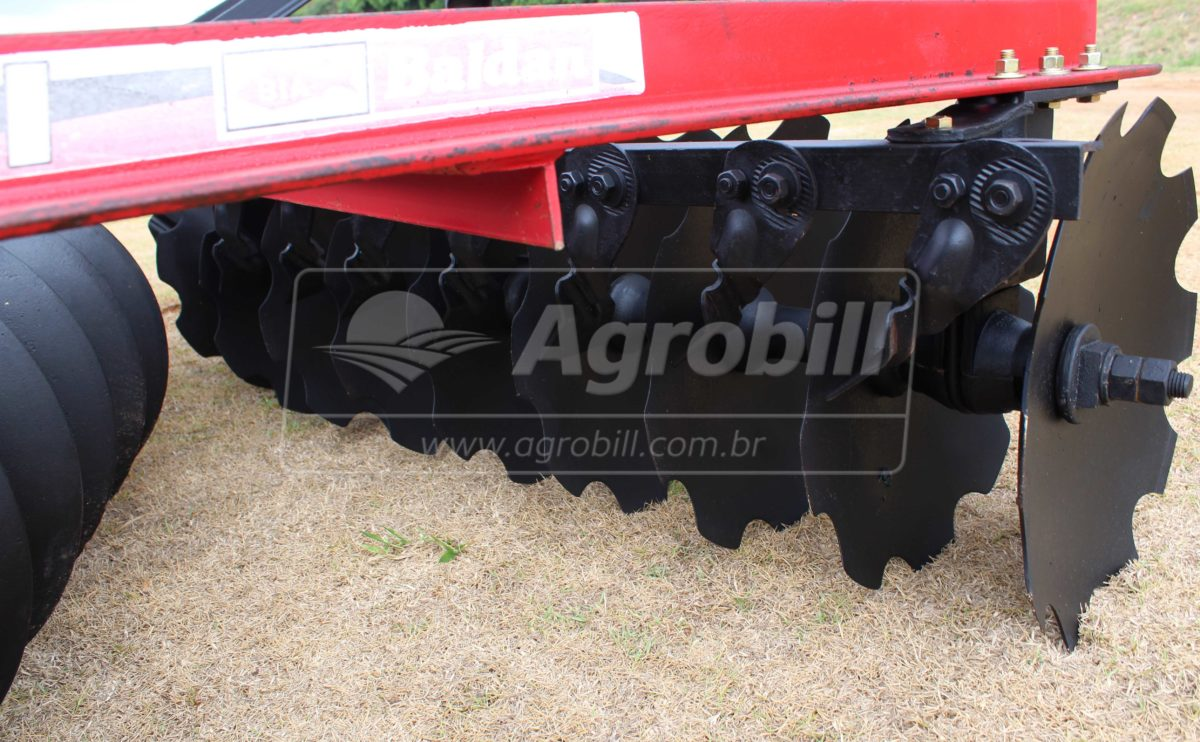 Grade Niveladora Hidráulica 32 Discos – Baldan > Usada - Grades Niveladoras - Baldan - Agrobill - Tratores, Implementos Agrícolas, Pneus