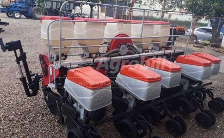 Plantadeira JM 2670 Exacta 5 Linhas – Jumil > Usada - Plantadeiras - Jumil - Agrobill - Tratores, Implementos Agrícolas, Pneus