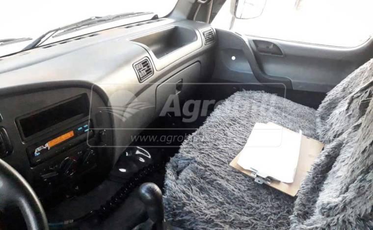 Caminhão 3/4 / com Cabine Auxiliar / com Carroceria de Ferro > Locação - Locação - Mercedes-Benz - Agrobill - Tratores, Implementos Agrícolas, Pneus