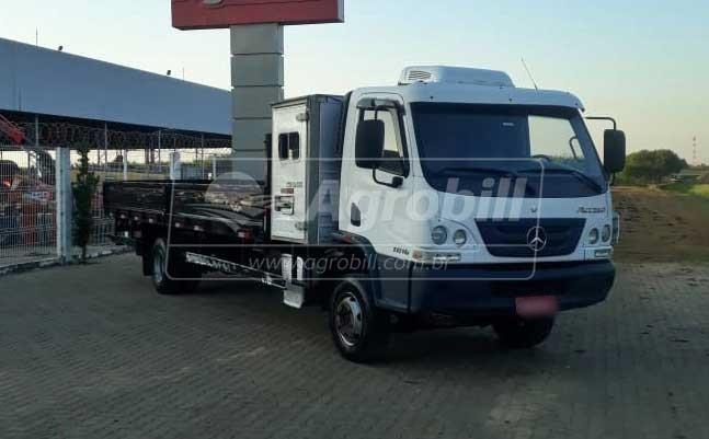 Caminhão Accelo 1016 ano 2013 MB - Veículos - Mercedes-Benz - Agrobill - Tratores, Implementos Agrícolas, Pneus