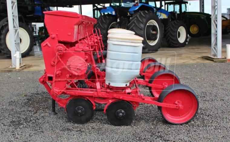 Plantadeira PH 2700 – Semeato > Usada - Plantadeiras - Semeato - Agrobill - Tratores, Implementos Agrícolas, Pneus