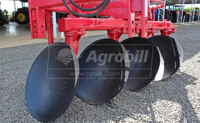 Arado Reversível 4 Discos ESH – Santa Izabel > Usado - Arado - Santa Izabel - Agrobill - Tratores, Implementos Agrícolas, Pneus