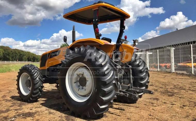 Trator Valtra A 750 4×4 ano 2018 - Tratores - Valtra - Agrobill - Tratores, Implementos Agrícolas, Pneus