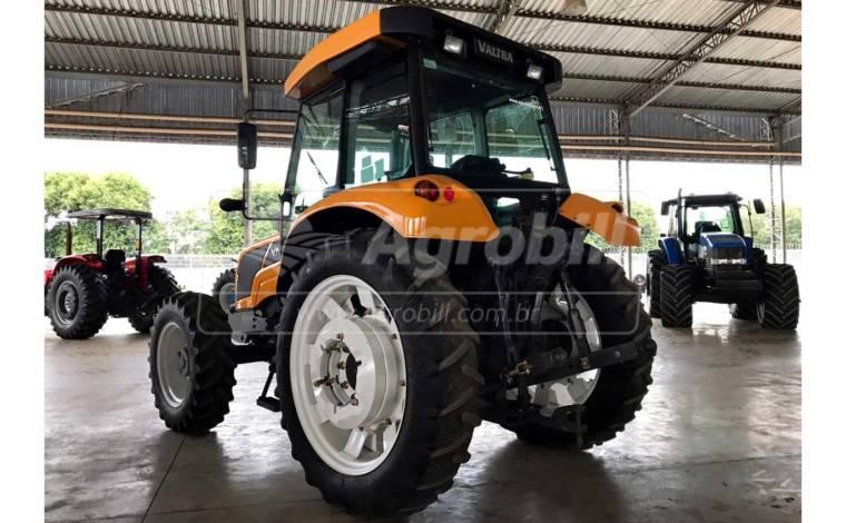 Trator Valtra A 850 4×4 ano 2014 Cabine Original c/ Ar Condicionado c/ 3281 horas - Tratores - Valtra - Agrobill - Tratores, Implementos Agrícolas, Pneus