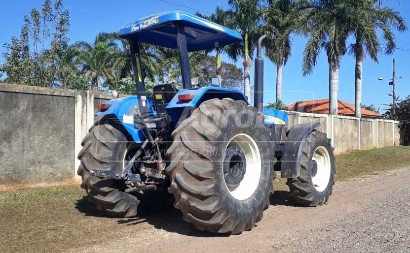 Trator New Holland 7630  4×4 ano 2015 com 2555 horas - Tratores - New Holland - Agrobill - Tratores, Implementos Agrícolas, Pneus
