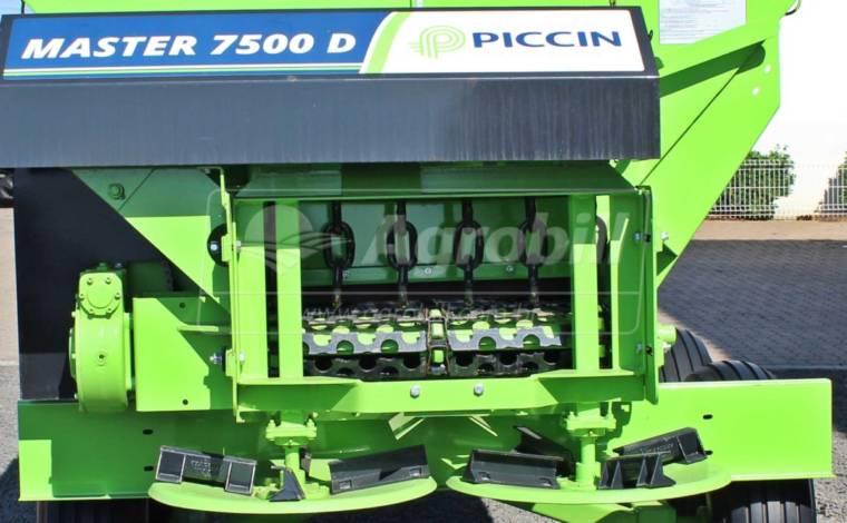 Distribuidor de Calcário, Fertilizantes e Compostos Orgânicos Master-D 7500 – Piccin > Novo - Distribuidor de Calcário - Piccin - Agrobill - Tratores, Implementos Agrícolas, Pneus