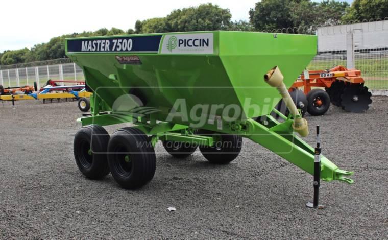 Distribuidor de Calcário e Fertilizantes Master 7500 – Piccin > Novo - Distribuidor de Calcário - Piccin - Agrobill - Tratores, Implementos Agrícolas, Pneus