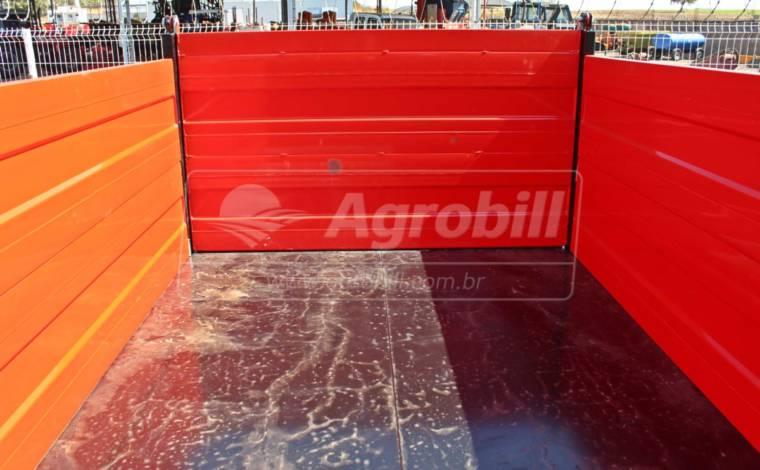 Carreta Agrícola Forrageira 5 toneladas Basculante / 5m³ / Rodado Duplo / Sem Pneus – Facchini > Nova - Carreta Agrícola Metálica - Facchini - Agrobill - Tratores, Implementos Agrícolas, Pneus